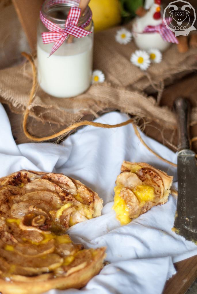 Crostata di mele grigie e crema con latte di mandorla